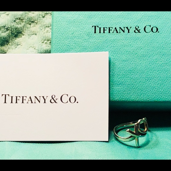1428160a1b08f Authentic Tiffany&Co XO ring 5.5 ©️Paloma Picasso
